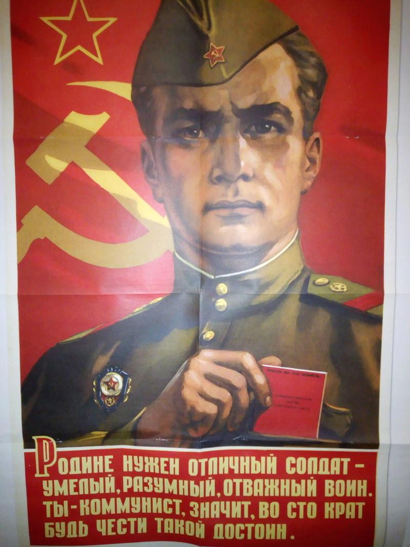 Besoin de traduction affiche soviétique Img_2010