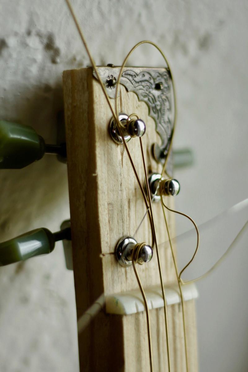 """La dernière """"DonTomas"""" 3 cordes acoustique donc... ^^ Img_0061"""