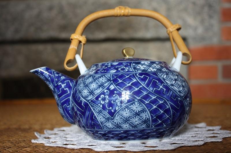 Japanese Arita teapot Img_0912