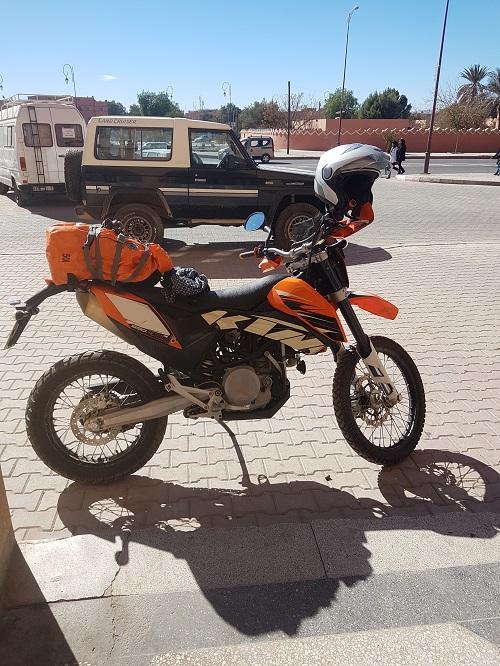 Une petite nouvelle au garage , KTM 690 enduro 690-110