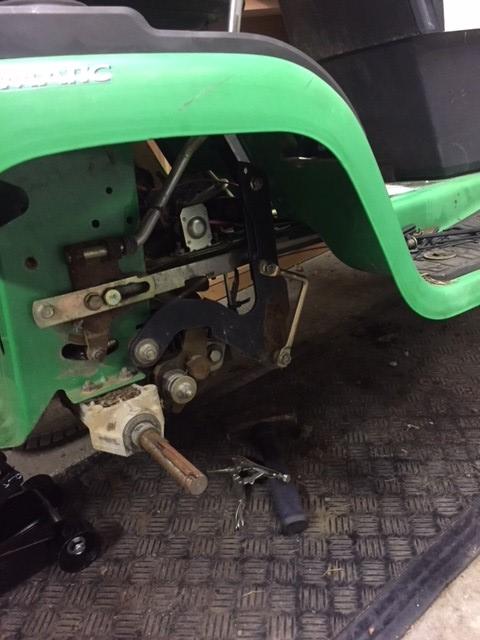 John Deere-Sabre??? Daughters Tractor Deck_s11