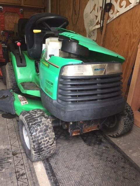 John Deere-Sabre??? Daughters Tractor Sabre_12