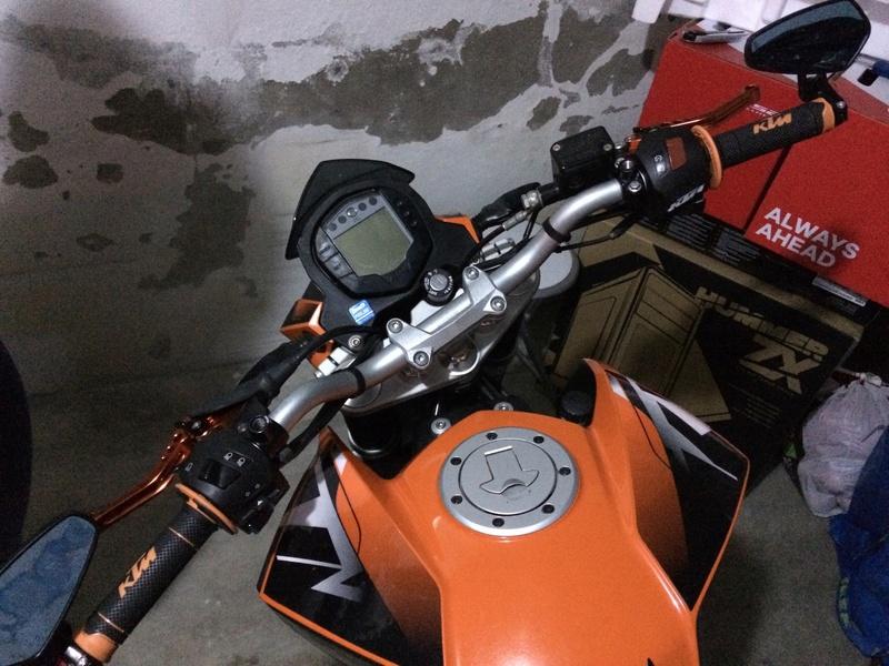 Katie, KTM DUKE 125 ABS - Yonie Img_3012