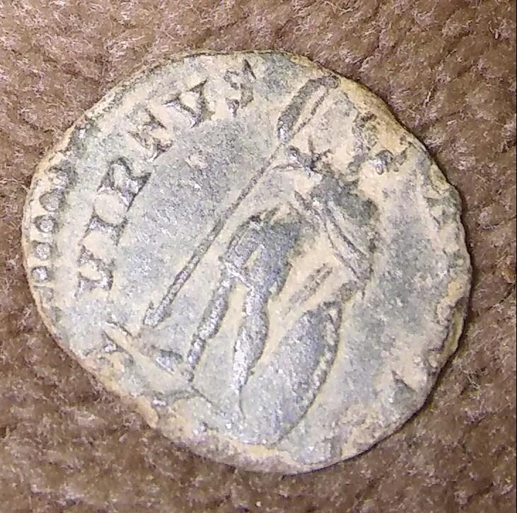 AE4 de Constantino II. VIRTVS AVGVSTI. Roma 20180140
