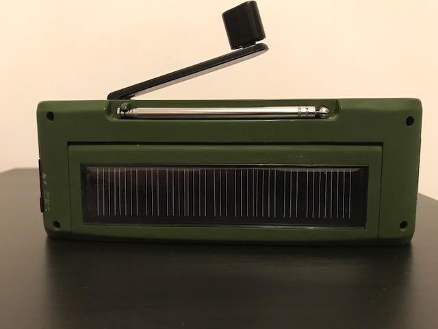Radio con dinamo Img_0714