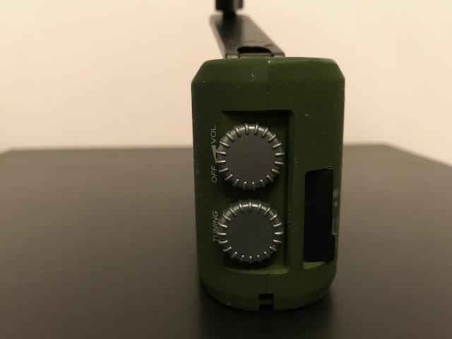 Radio con dinamo Img_0715