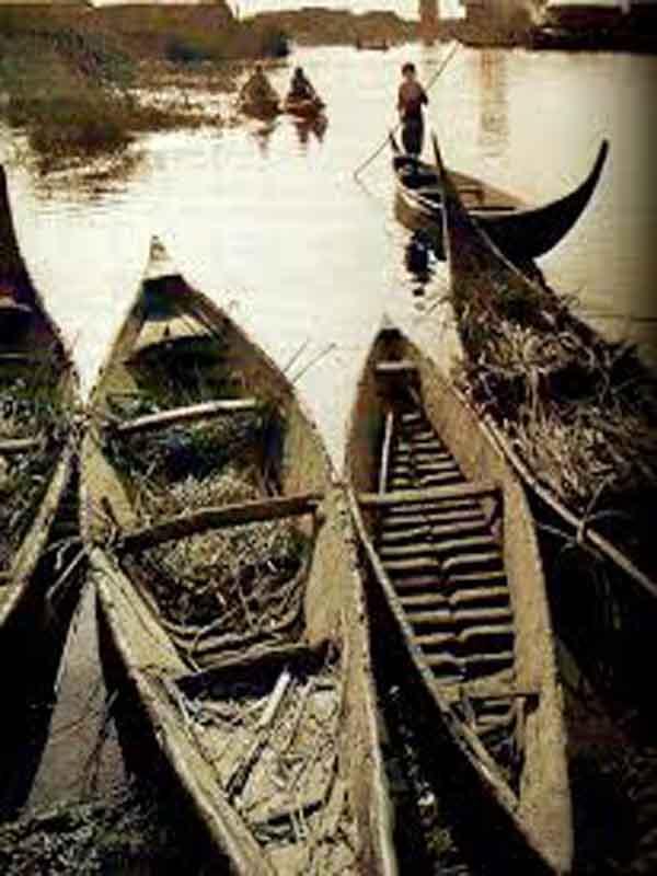 المشحوف .. صناعة تراثية عراقية إشتهرت في جنوب العراق  Ooui_e10