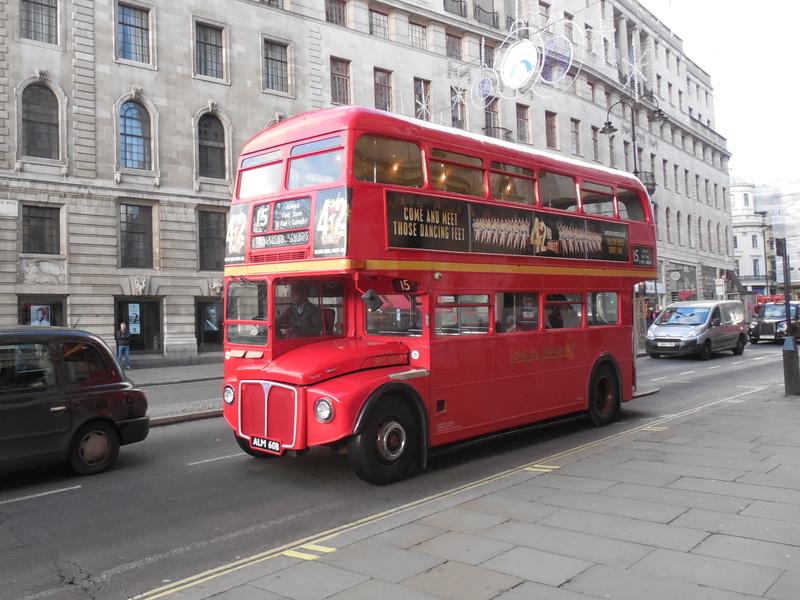 Les cars et bus anglais - Page 2 Aec_ro10