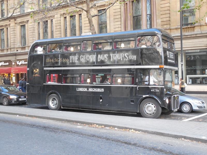 Les cars et bus anglais - Page 2 Aec_ro11