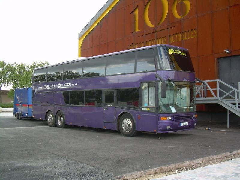 Les cars et bus anglais - Page 3 Berkho10