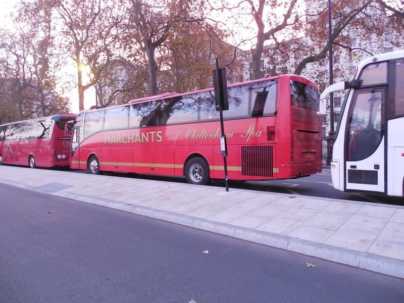 Les cars et bus anglais - Page 3 Berkho16