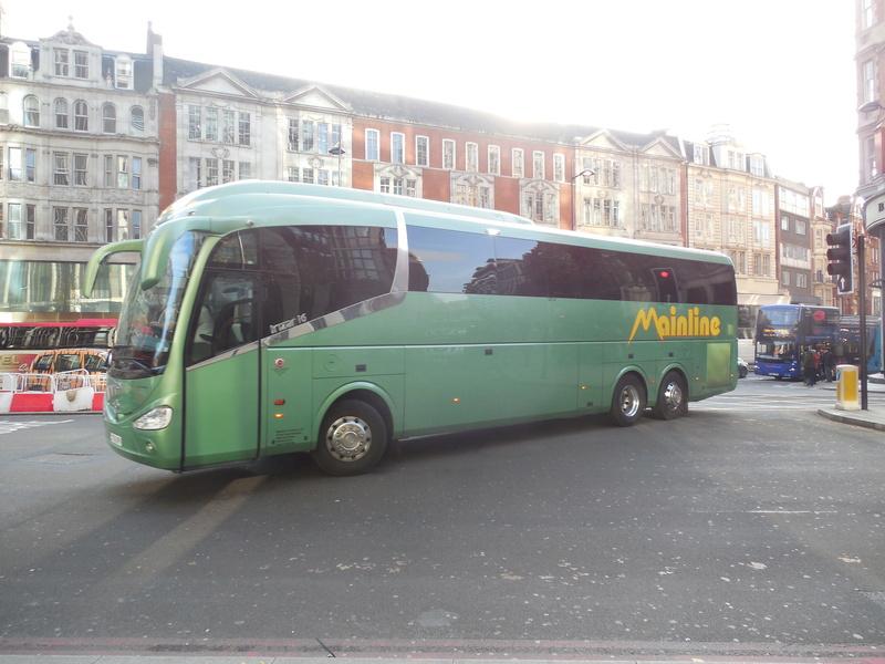 Les cars et bus anglais - Page 3 Irizar13