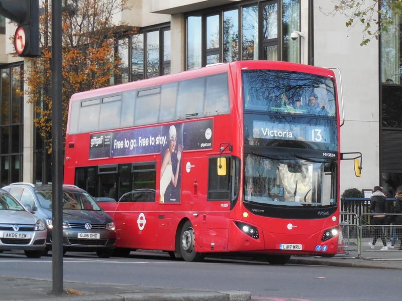 Les cars et bus anglais - Page 2 Mcv_ev10