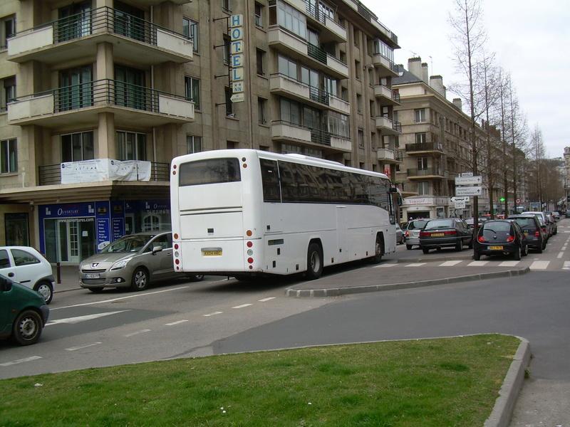 Les cars et bus anglais - Page 2 Plaxto10