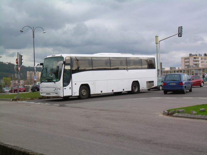 Les cars et bus anglais - Page 2 Plaxto11