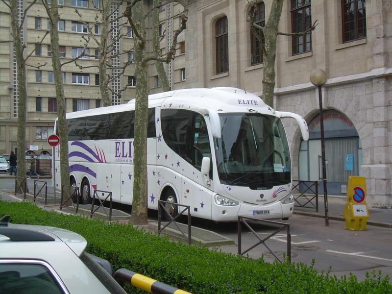 Les cars et bus anglais - Page 3 Scania23
