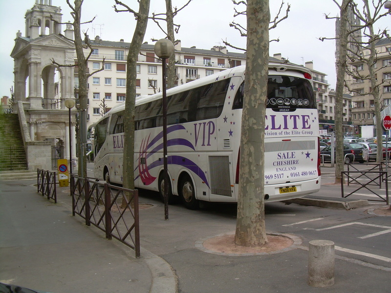 Les cars et bus anglais - Page 3 Scania24