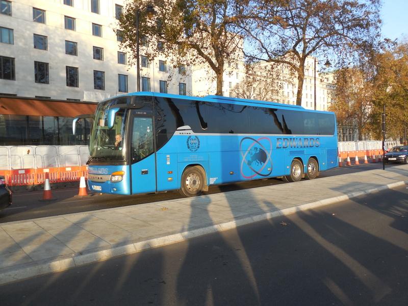 Les cars et bus anglais - Page 3 Setra127