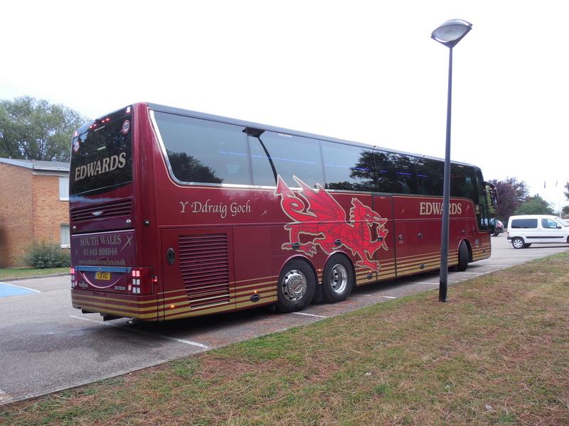 Les cars et bus anglais - Page 2 Van_ho68