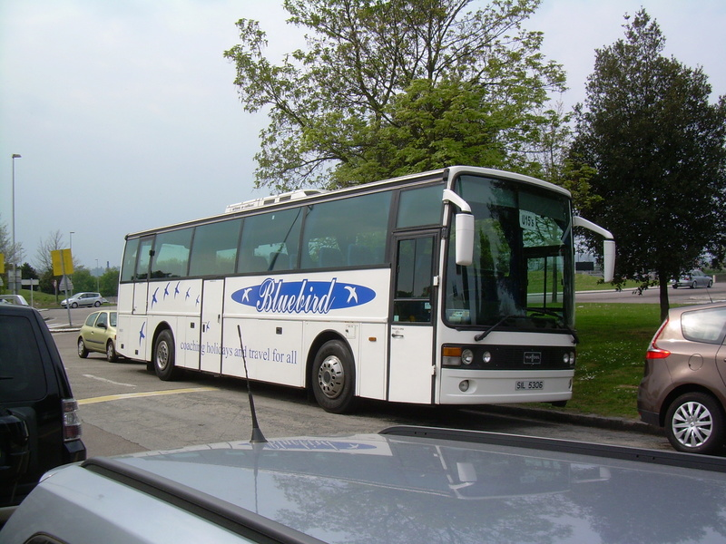 Les cars et bus anglais - Page 3 Van_ho92