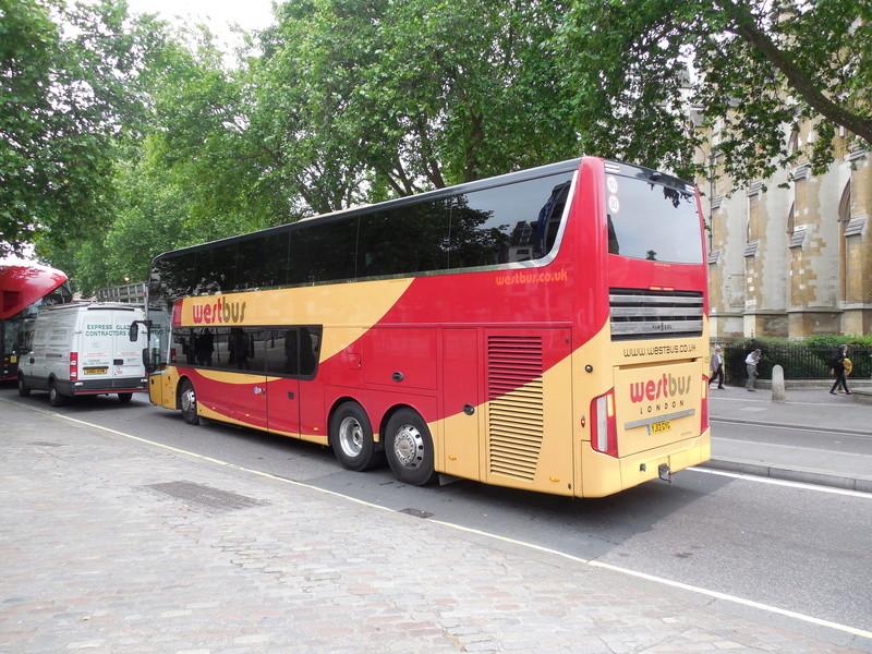 Les cars et bus anglais - Page 3 Van_ho98