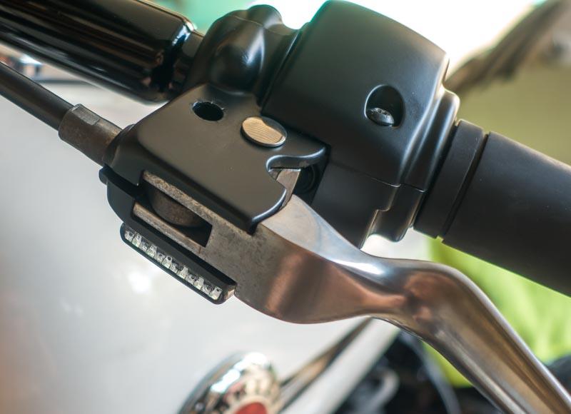 Résistance et clignotant LED Breakout Cligno17