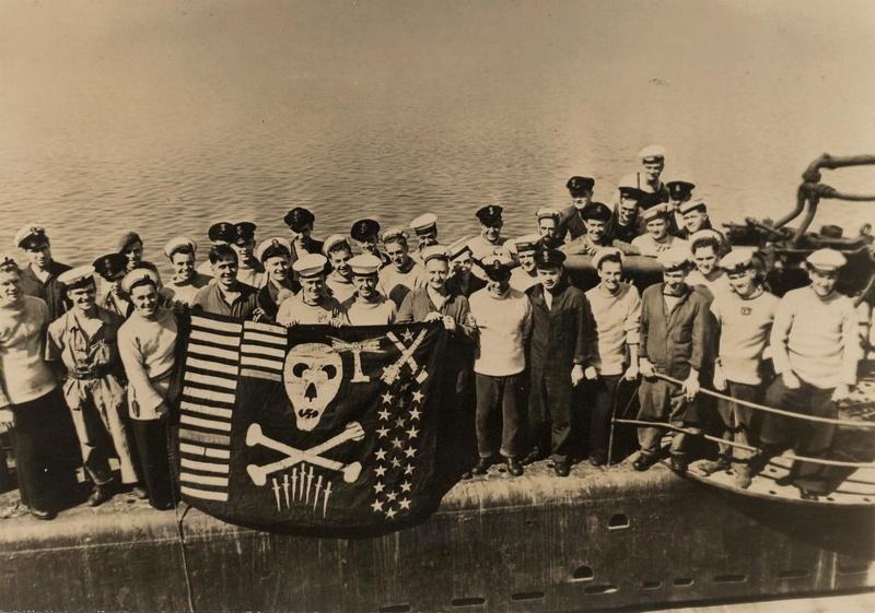 Les Jolly Rogers - Drapeaux de Pirates des Sous-Marins Britanniques 27b62510