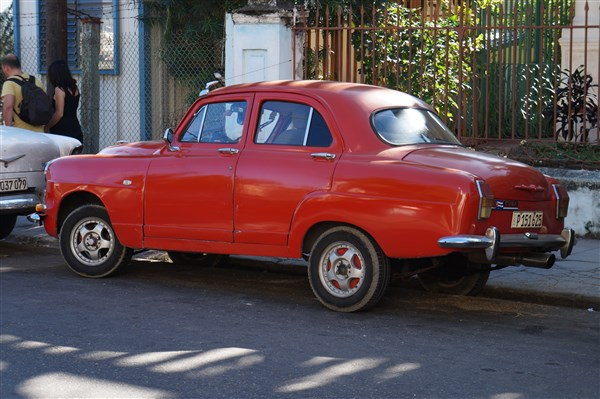 Les autos Cubaines - Page 2 Dsc01212