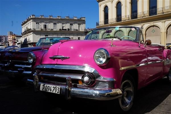Les autos Cubaines - Page 2 Dsc01214