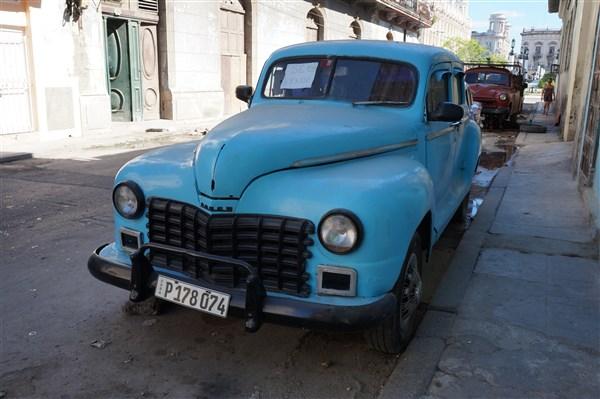 Les autos Cubaines - Page 2 Dsc01215
