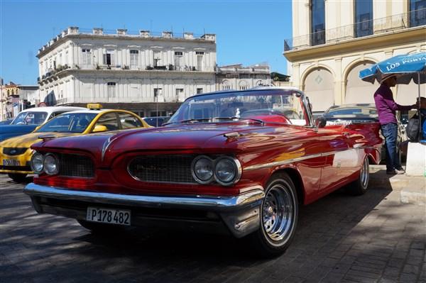 Les autos Cubaines - Page 2 Dsc01221