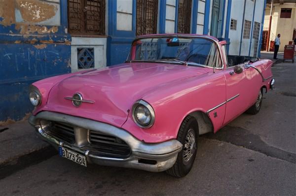 Les autos Cubaines - Page 2 Dsc01318