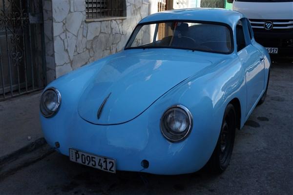 Les autos Cubaines - Page 2 Dsc01321