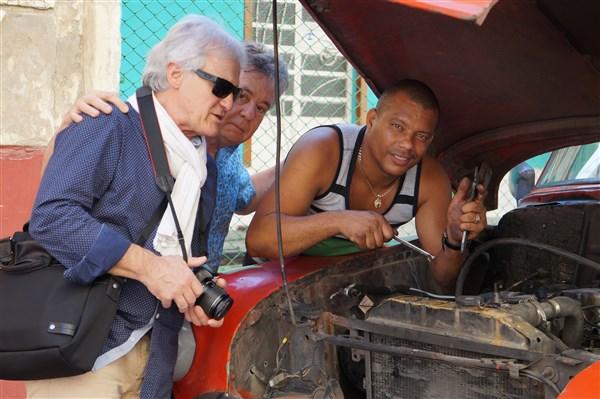 Les autos Cubaines - Page 2 Dsc01322