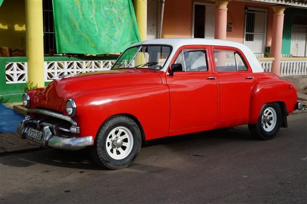 Les autos Cubaines - Page 2 Dsc01410