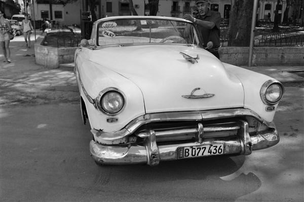 Les autos Cubaines - Page 2 Dsc01412