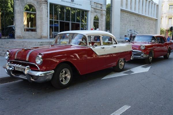 Les autos Cubaines - Page 2 Dsc01413