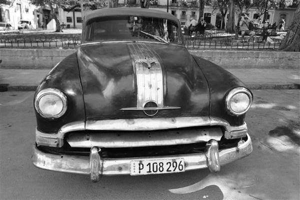 Les autos Cubaines - Page 2 Dsc01414