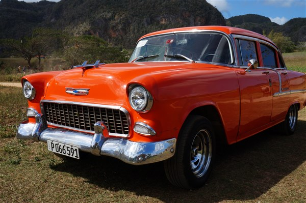 Les autos Cubaines - Page 2 Dsc01425