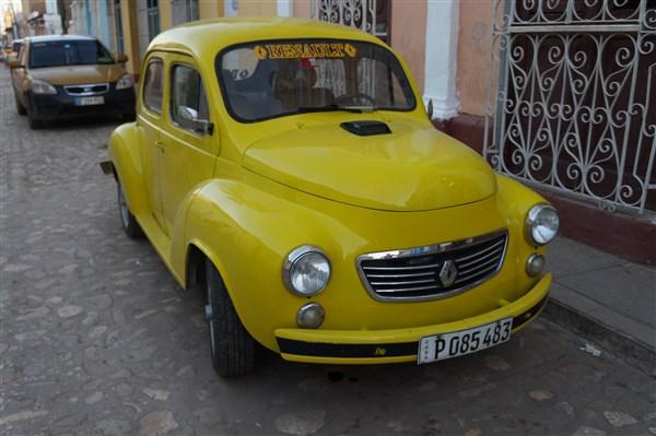 Les autos Cubaines - Page 2 Dsc01510