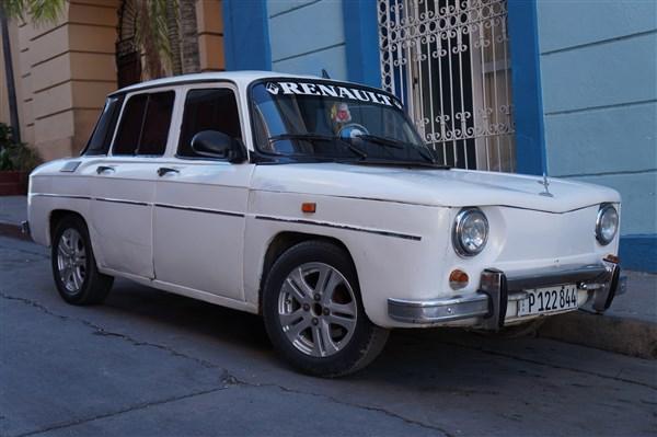 Les autos Cubaines - Page 2 Dsc01710