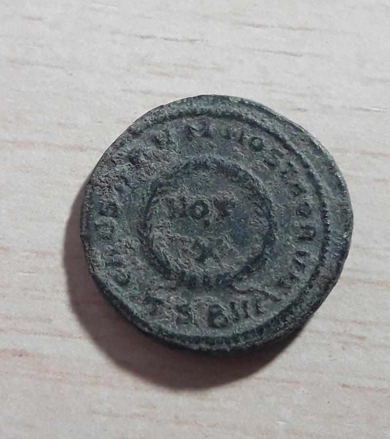 AE3 de Constantino II. CAESARVM NOSTRORVM / VOT X. Tesalónica 20171127