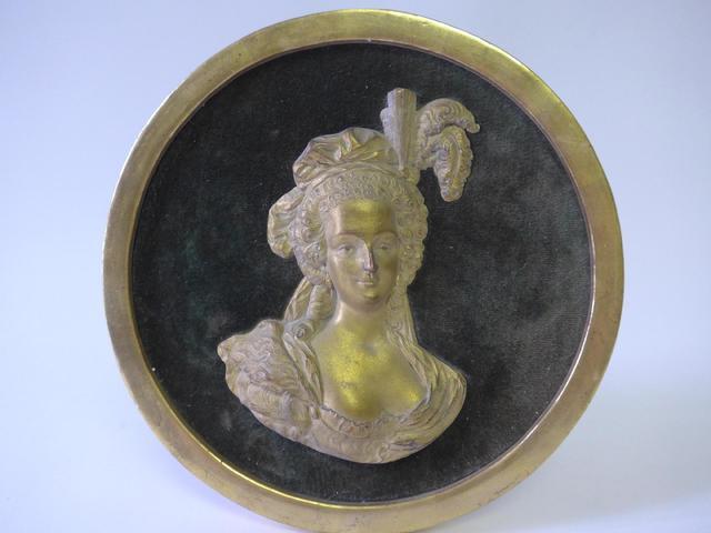 Pièces, médailles et médaillons mis en vente - Page 5 12143710