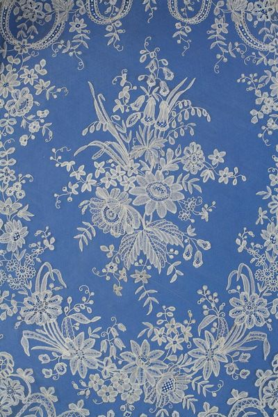 Une robe de Marie-Antoinette au musée de la Visitation 19551510