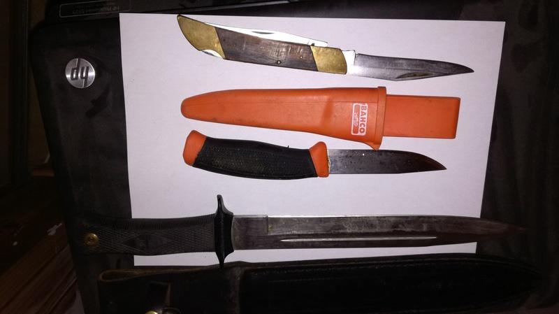 Votre couteau, votre préférence au jour le jour : pliant, dague ?  - Page 3 Img_2014