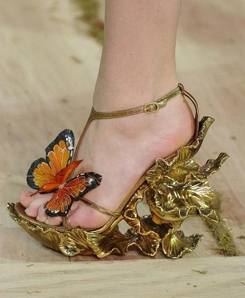 أغرب احذية فى العالم 6999-210