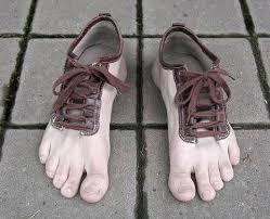 أغرب احذية فى العالم Images18