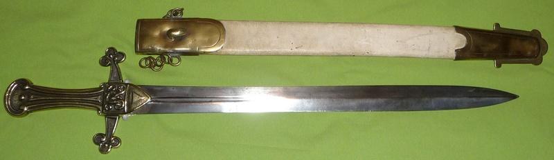 une dague de templier... P1160811
