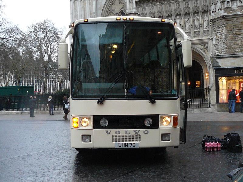Les cars et bus anglais - Page 2 P1150012