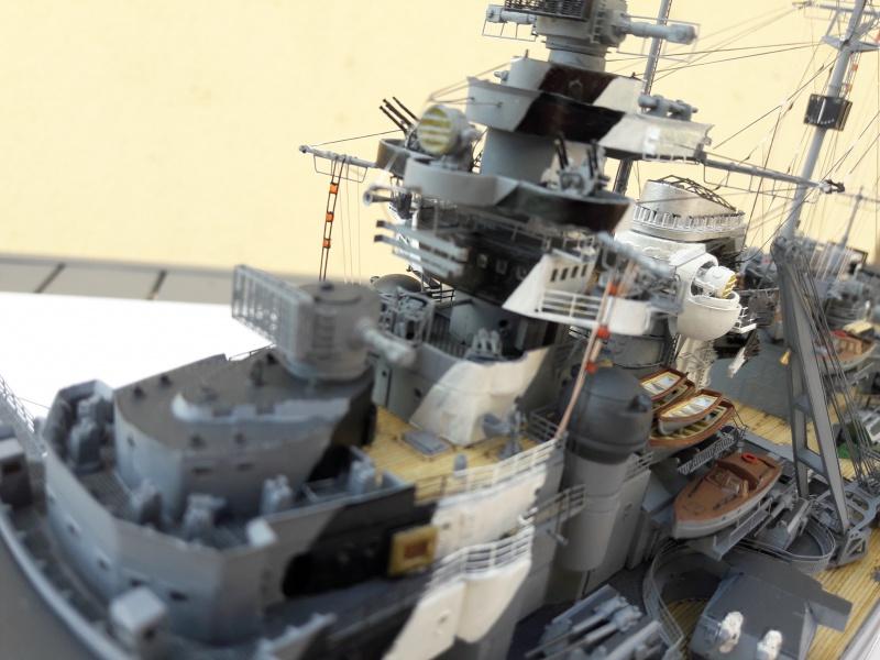 Bismarck 1/350 Revell Premium + PE 15371110